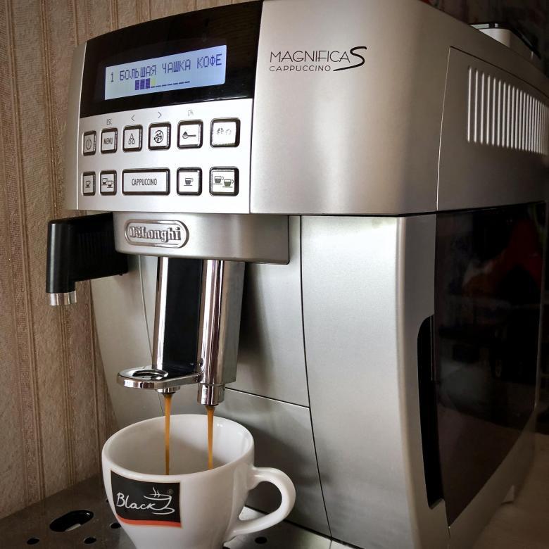 отличная кофемашина кофемашина Delonghi ECAM 22.360