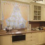 тюль бело-золотистого цвета для кухни