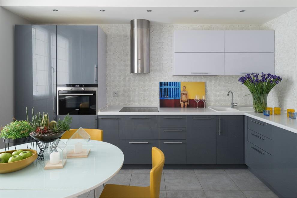 дизайн серо-белой кухни