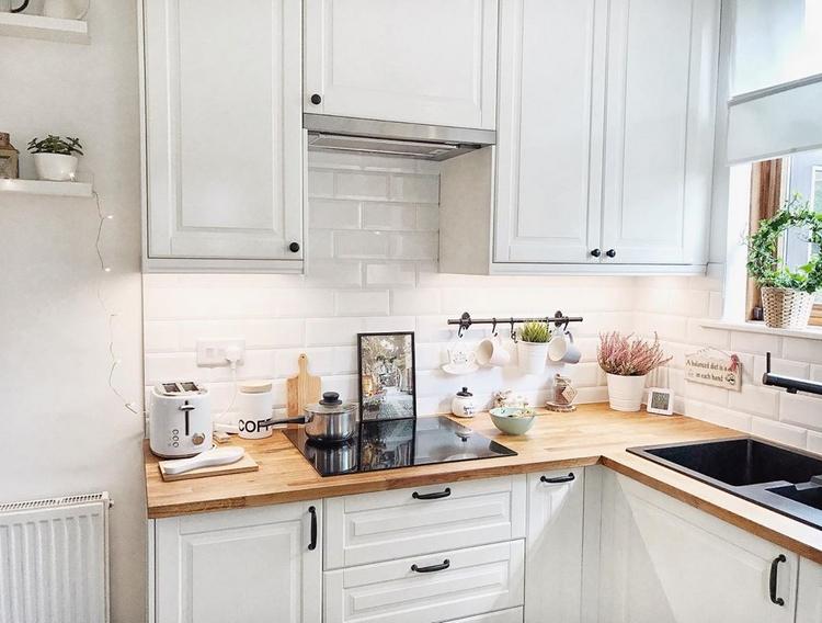 """белая мебель на кухне Икеа """"Будбин"""""""