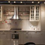украшение кухни Икеа красивыми аксессуарами