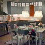 """красивая кухня Икеа """"Будбин"""" с интересным освещением"""