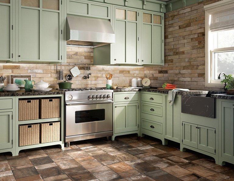 просторная кухня в ретро стиле