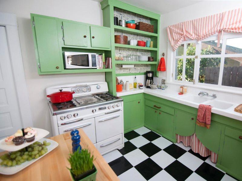 яркая кухня в ретро стиле