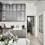 """классическая кухня Икеа """"Будбин"""" с высоким потолком"""