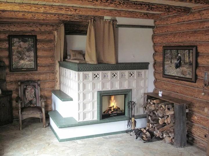 Печь в деревенском доме