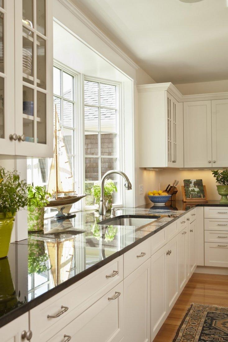 фото кухни рабочая поверхность у окна раз проезжали