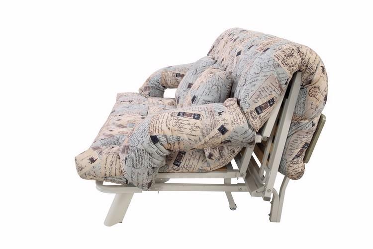кресло с металлическим каркасом