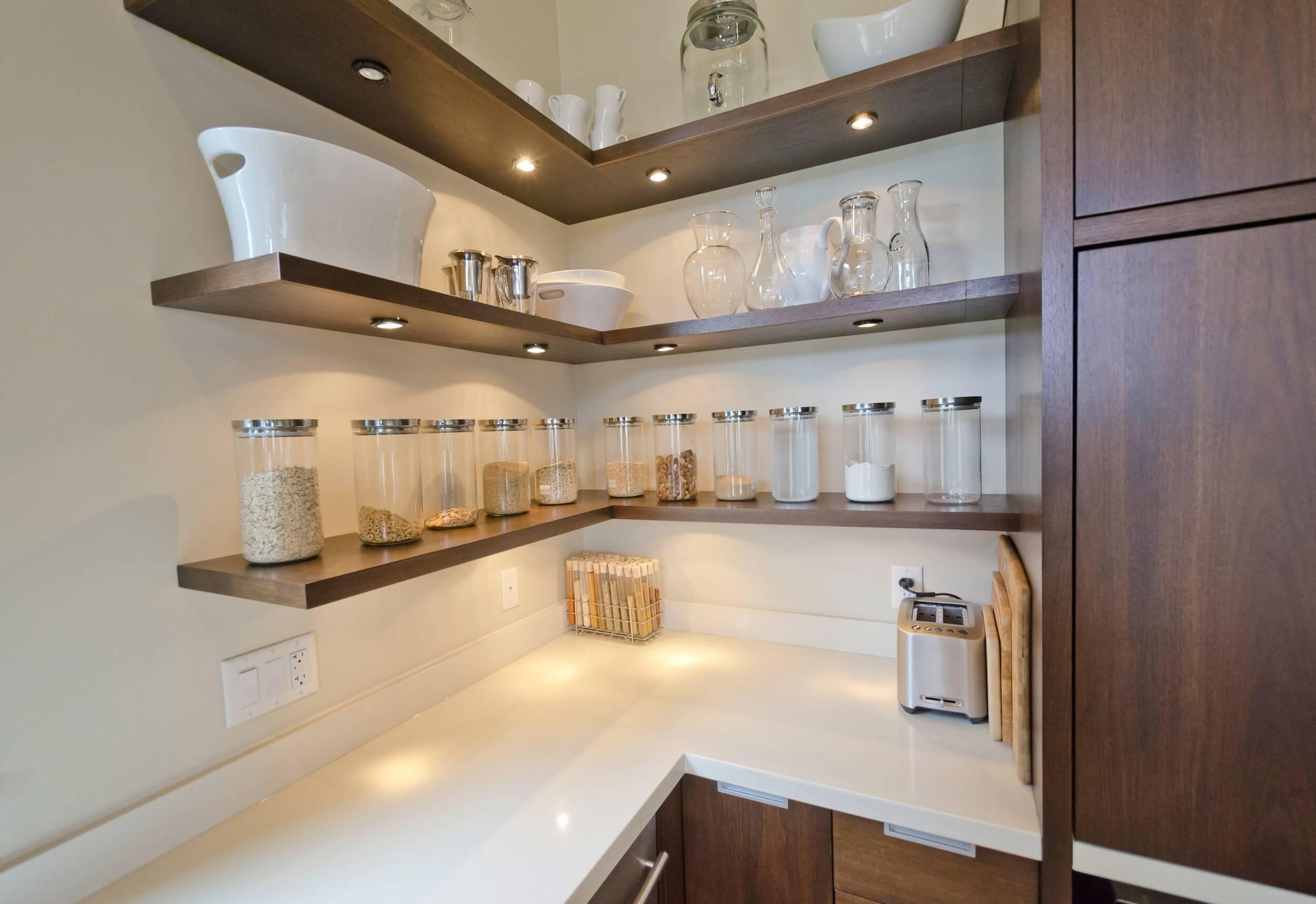 красивые полочки для угловой кухни