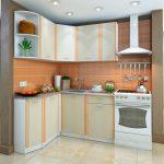 угловая кухня для очень маленького помещения