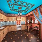 просторная кухня в стиле этнос