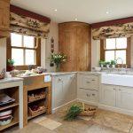 угловая кухня для загородного дома