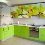 нежная угловая кухня салатового цвета