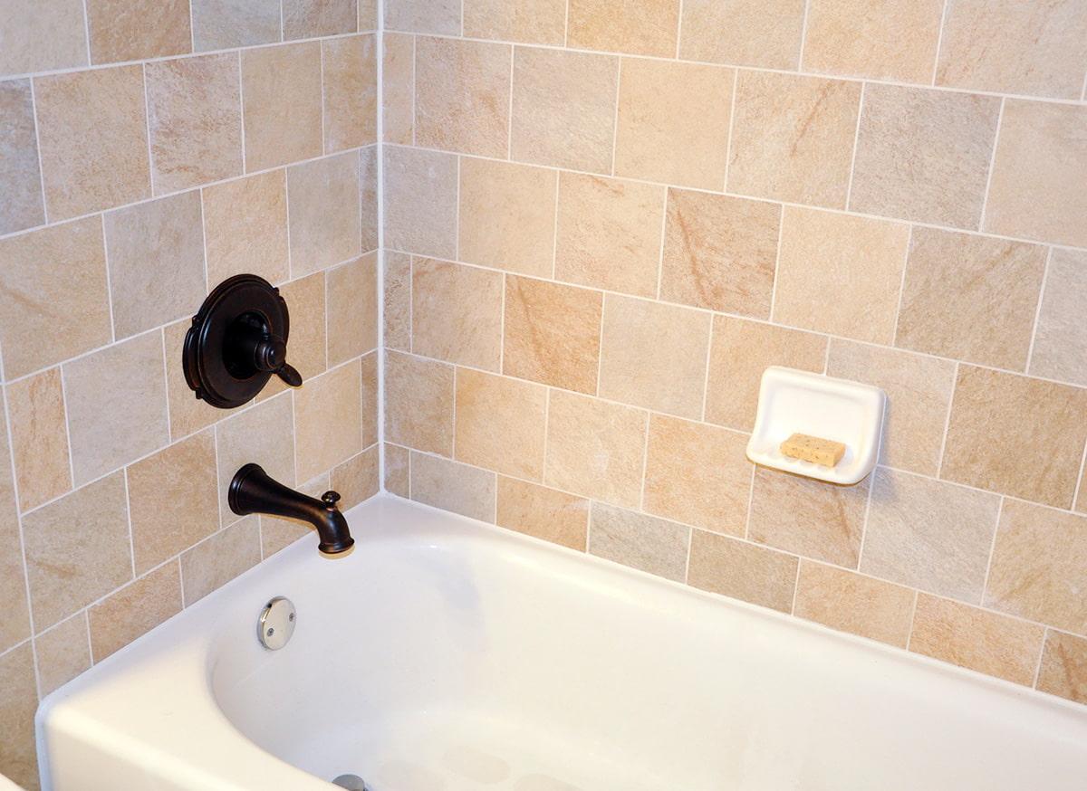 установка ванной и заделка швов