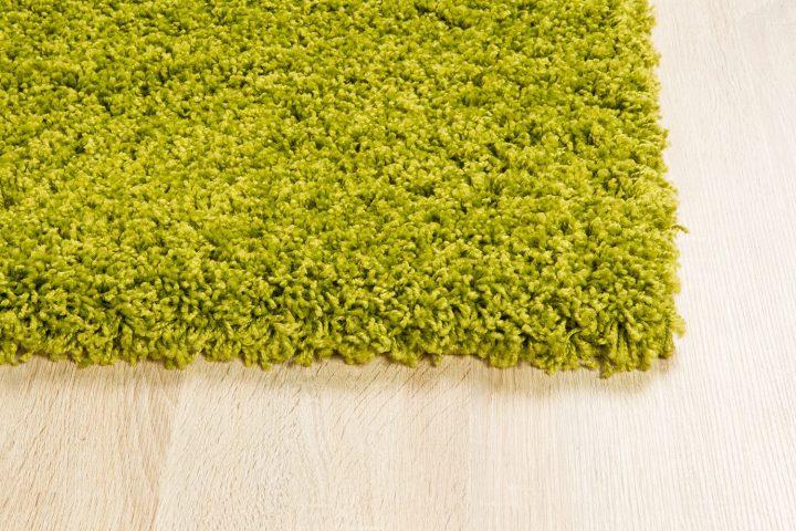 зеленый ковер икеа имитирует траву