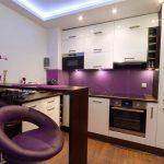фиолетовые акценты на кухне