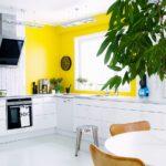 желтые акценты на кухне
