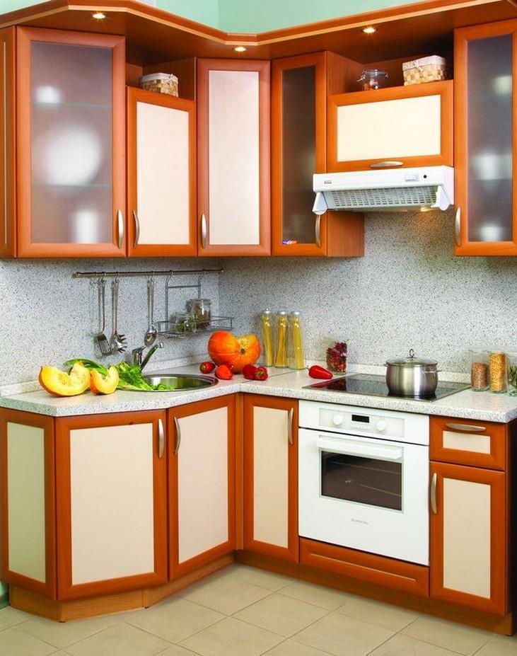 Бытовая техника в маленькой кухне