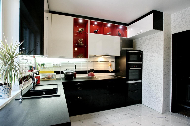 кухня оформлена по правилам