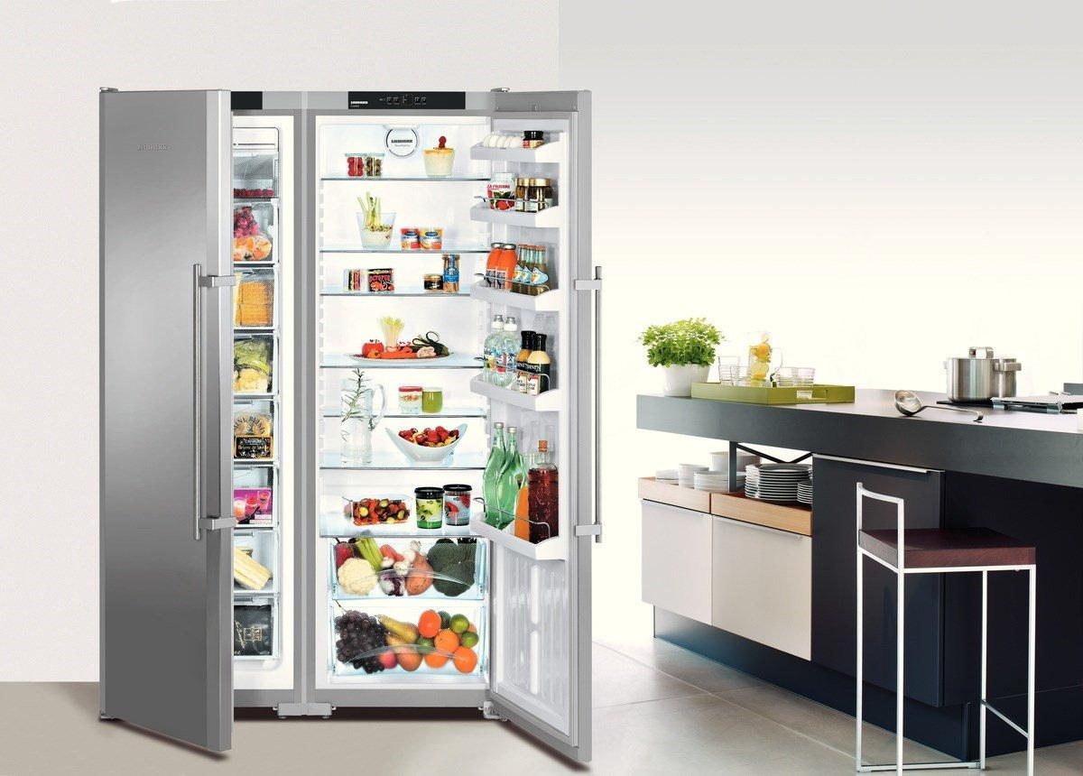 холодильник полный еды