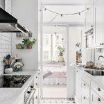 белоснежная кухня в ретро стиле