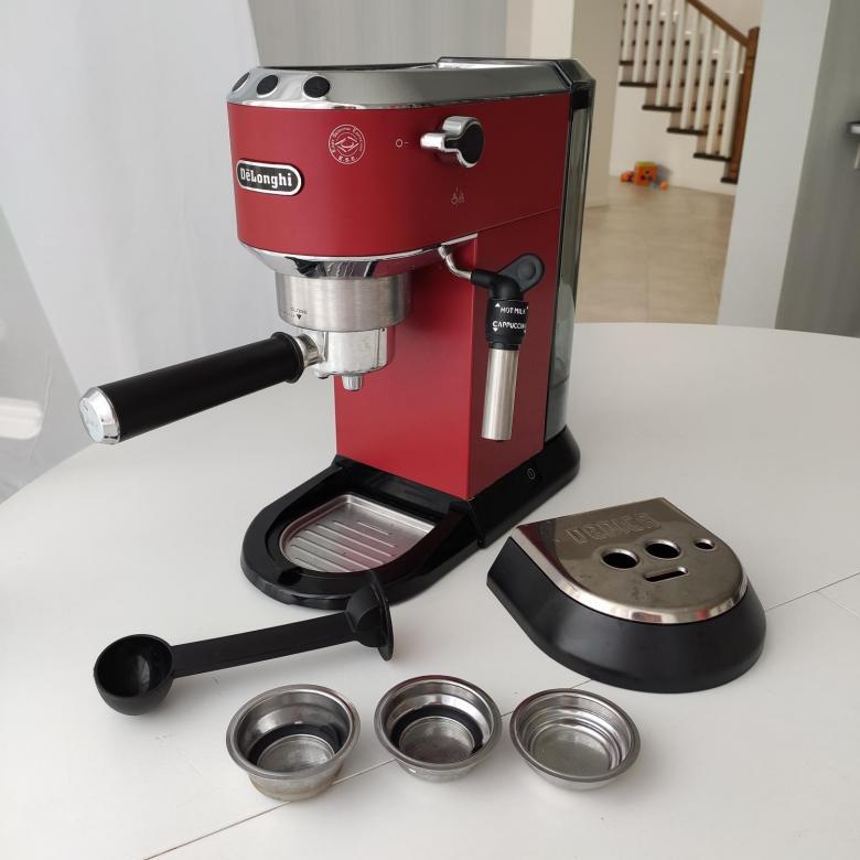 бюджетная кофеварка рожкового типа