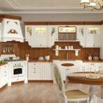 Классический кухонный гарнитур дерево