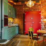 Красный холодильник в интерьере лофт