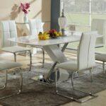 кресла со стеклянным столом