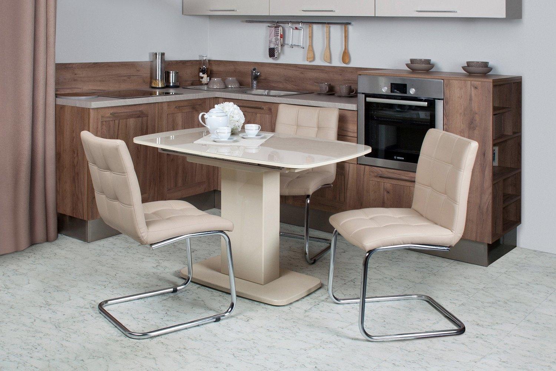 кухня с креслами