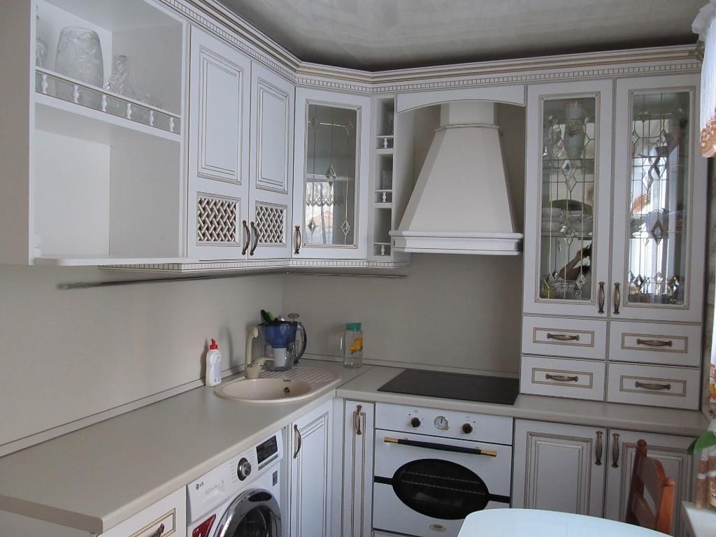 Кухня для дачи в классическом стиле