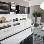 Кухня из белого дерева