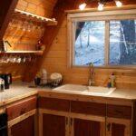 Кухня маленькая компактная на дачу