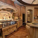 Кухня в старинном итальянский стиле