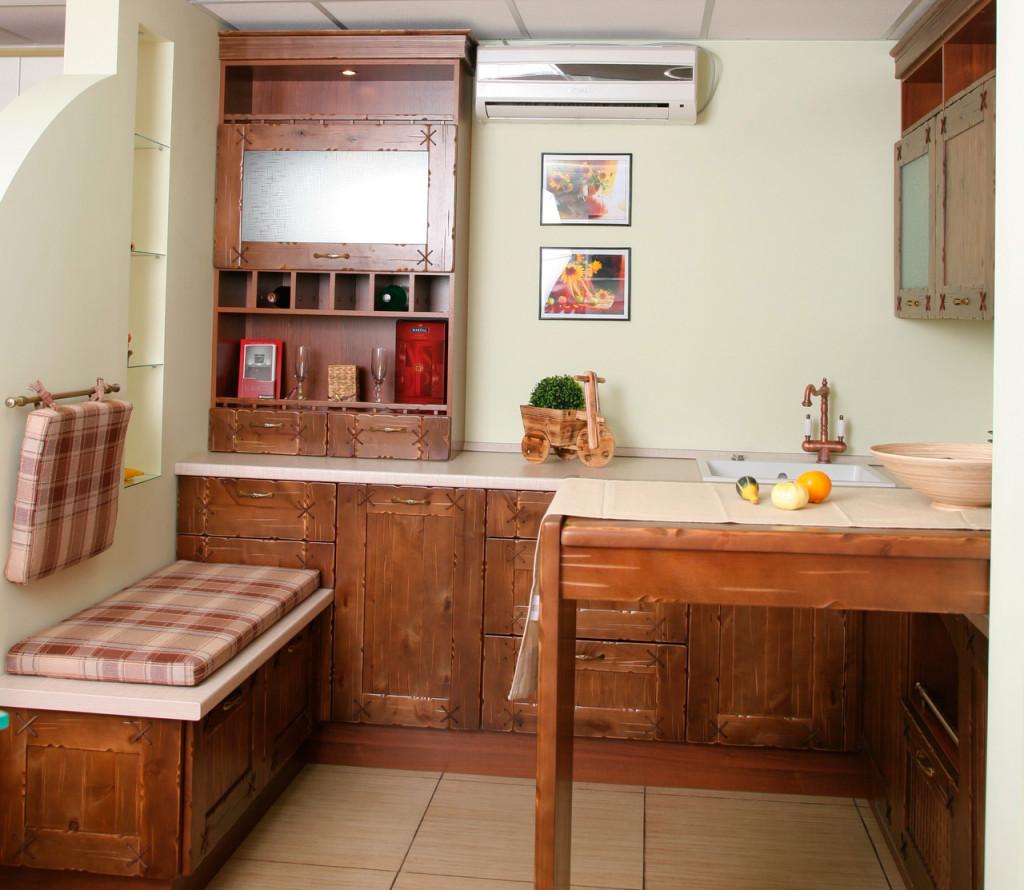 Мини кухня в деревенском стиле