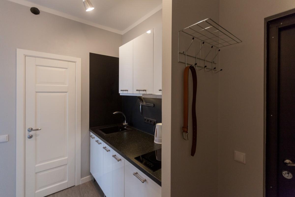 Маленькая кухня в коридоре