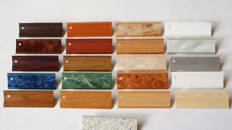 Материал изготовления кухонного плинтуса