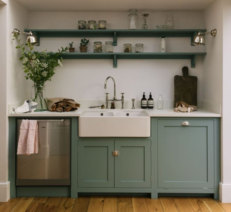 Материал мебели для дачной кухни