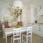 Обеденная зона на белой кухне