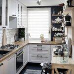 Стильная уютная маленькая кухня