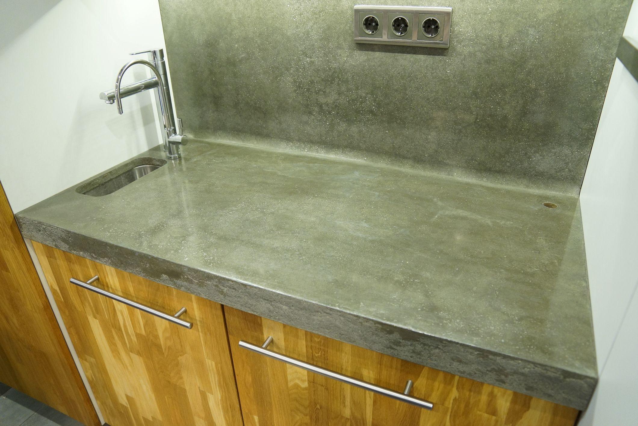 бетонная поверхность столешницы для кухни