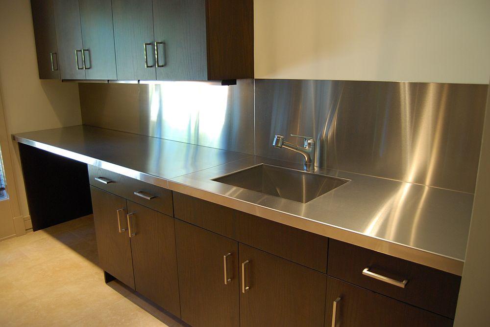 металлическая столешница для современной кухни