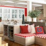 Уютная кухня с диванчиком