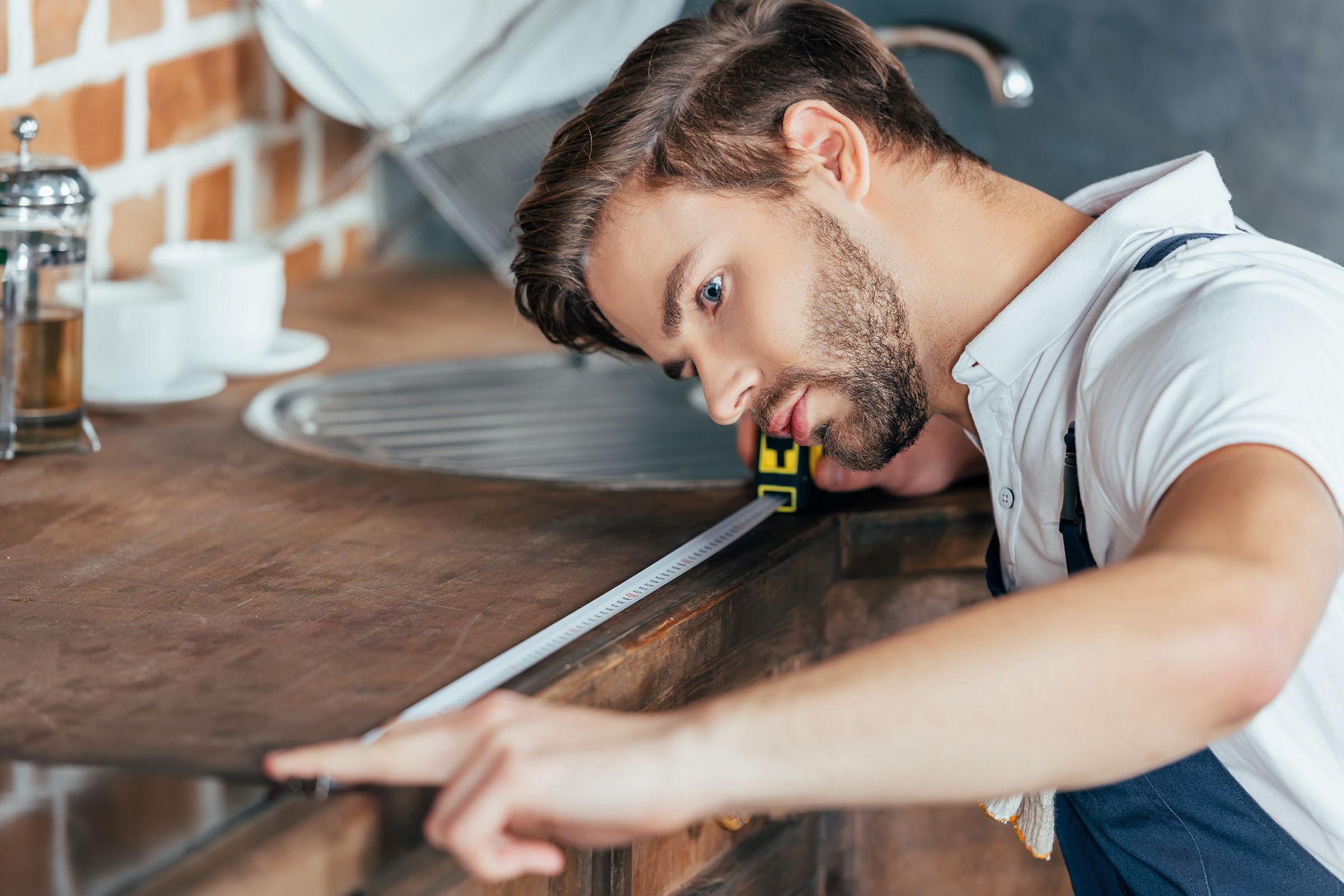 Замеры кухни перед изготовлением столешницы