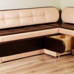 диван со спальным местом на кухне идеи декора