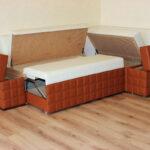 диван со спальным местом на кухне фото интерьера