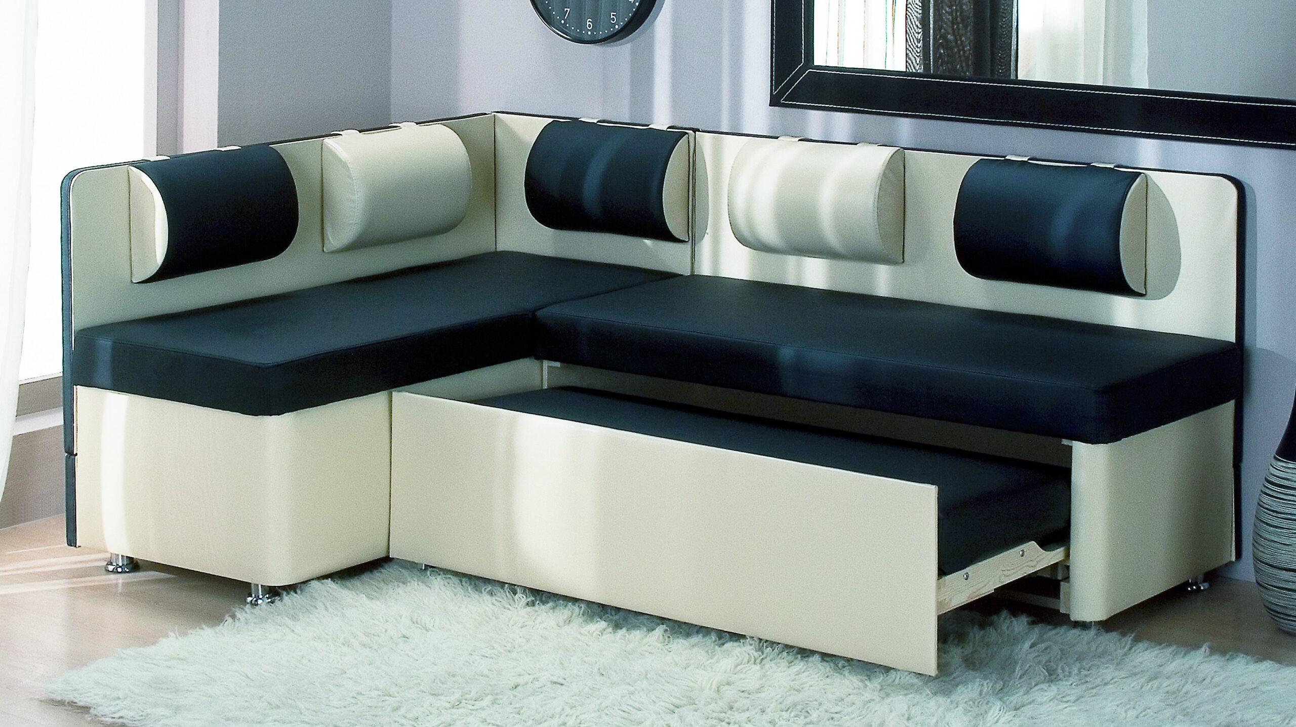 диван со спальным местом на кухню в интерьере