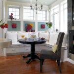 кухонный диван с круглым столом