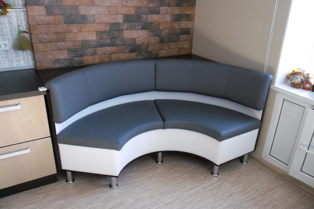 полукруглый диван на кухню