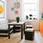 кухонная скамья с пуфами